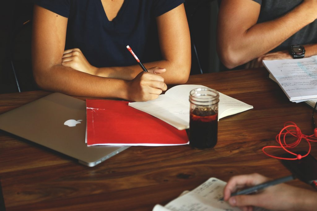 business-coworking-desk-7093